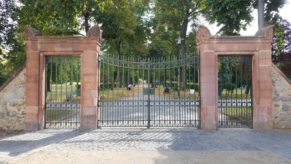 Herrngarten Darmstadt – Restaurierung der Toranlage
