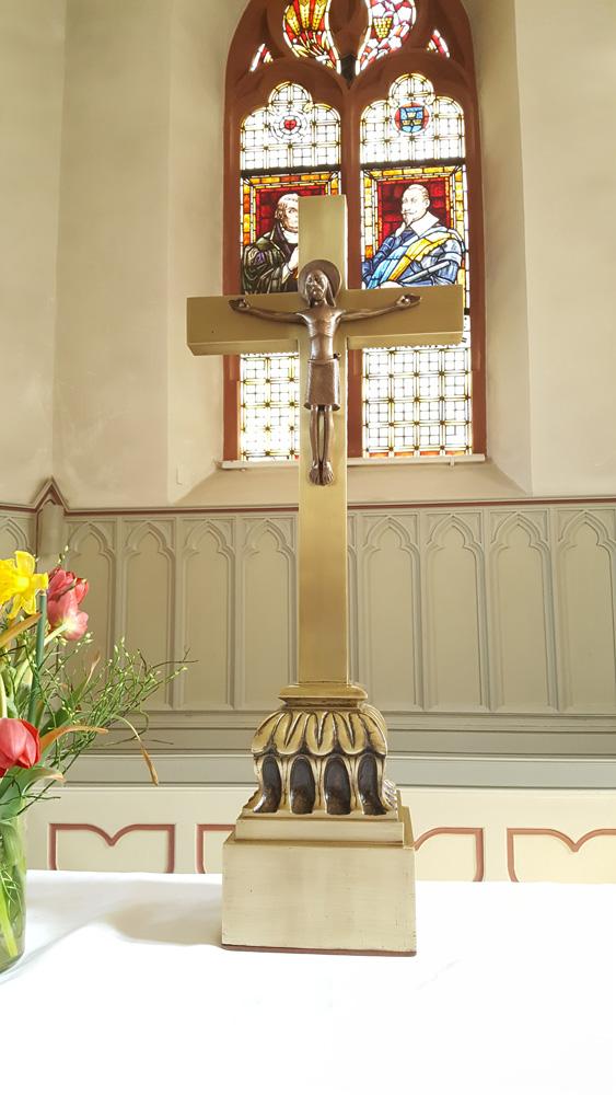 Evangelische Kirche Stockstadt am Rhein – Restaurierung eines Altarkreuzes