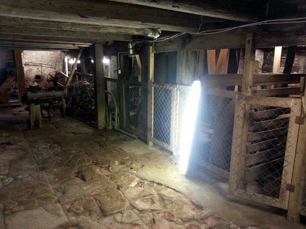 """Das Kellergeschoss der Mühle mit dem sogenannte """"Transmissionsboden"""""""