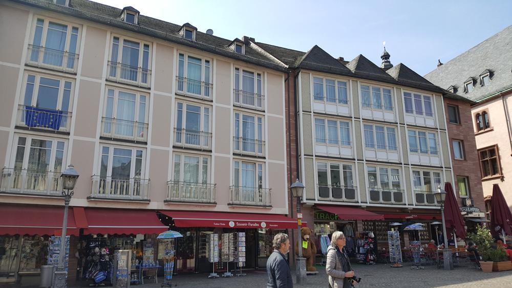 Römerberg, Frankfurt am Main - Restaurierung von Geländern